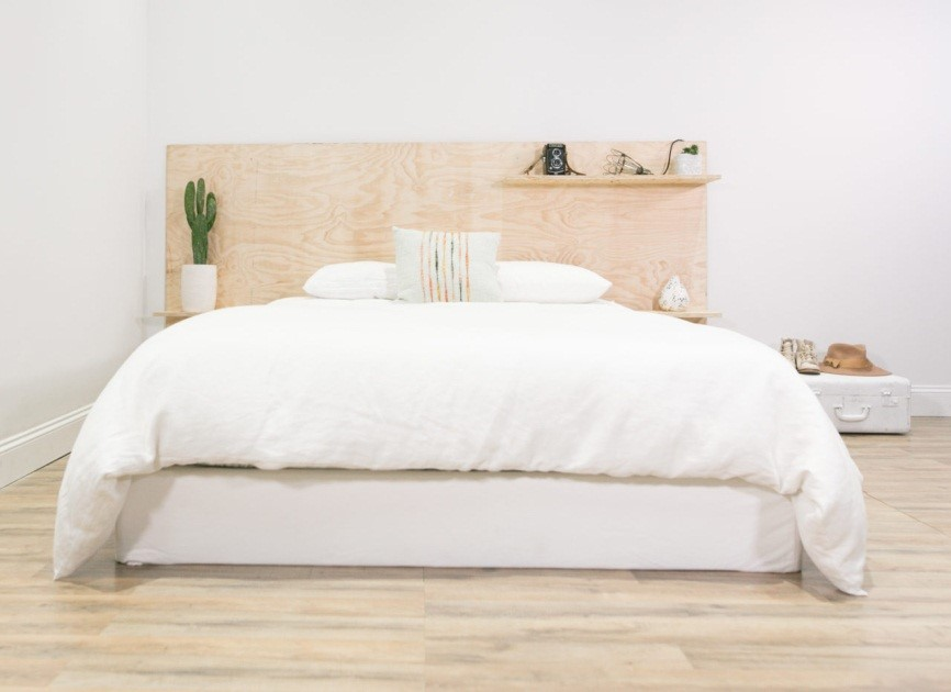 9 Simple Plywood Headboard with Shelves via simphome