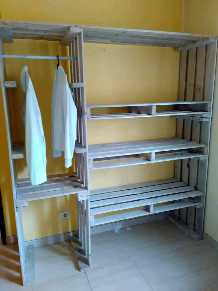 1 Wood Pallet Wardrobe via Simphome
