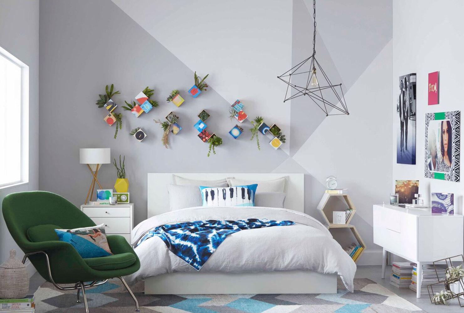 3 Wall Hanging planter ideas via Simphome