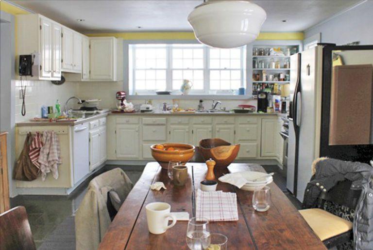 4 Old Kitchen Has Transformed into Farmhouse Kitchen via Simphome Before