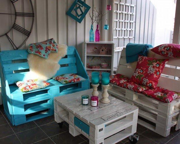 4 Wooden Crate Seats via Simphome