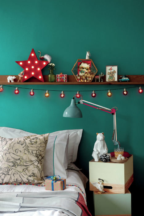 5 Incorporate Extra Storage Space above your Bed via Simphome