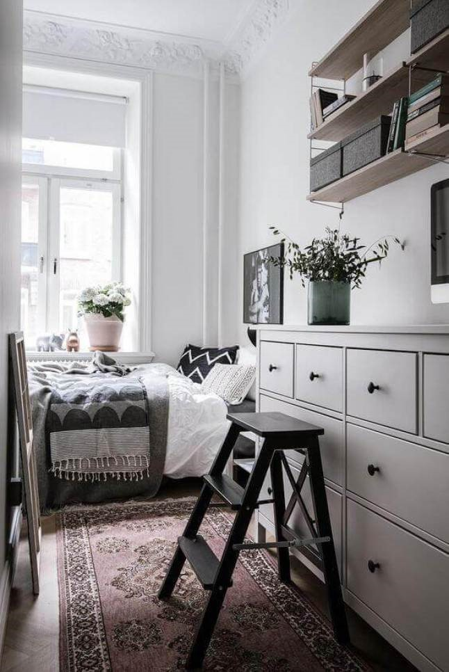 5 Incorporate Floating Shelves via Simphome