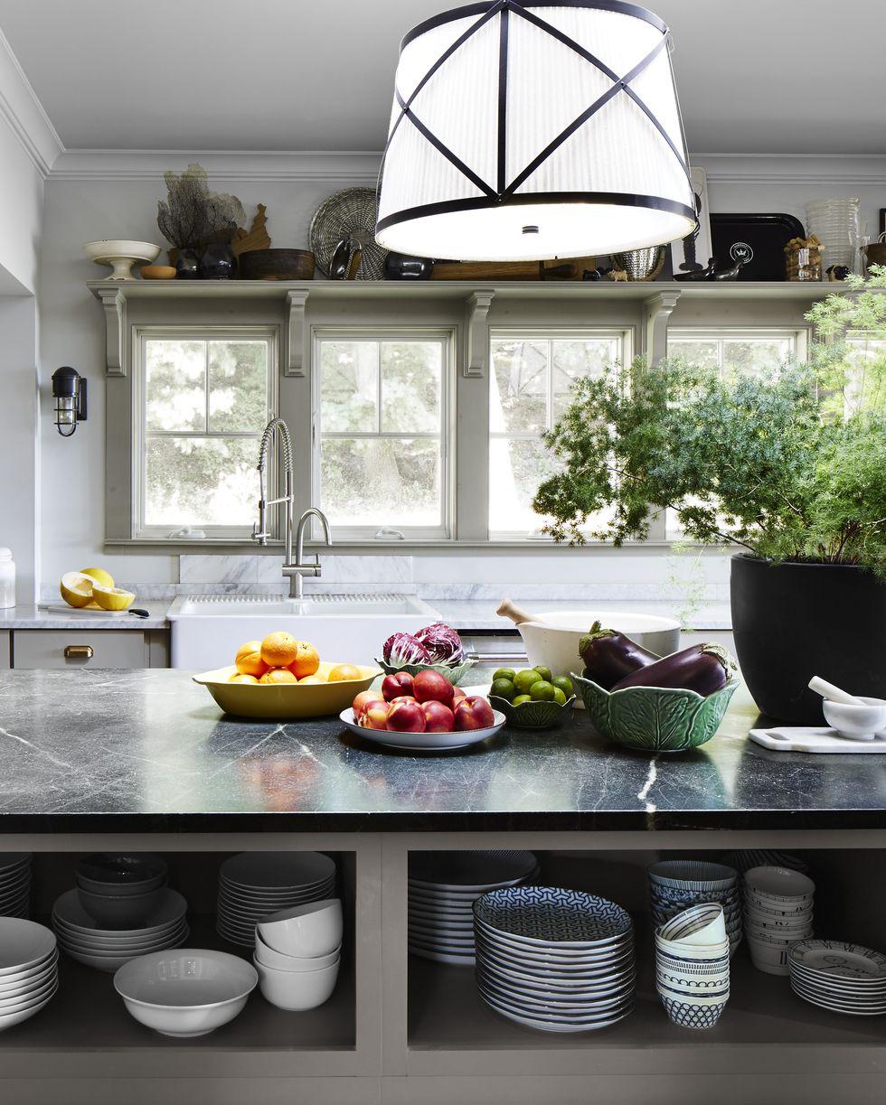 7 Make a Shelf above the Windows via Simphome