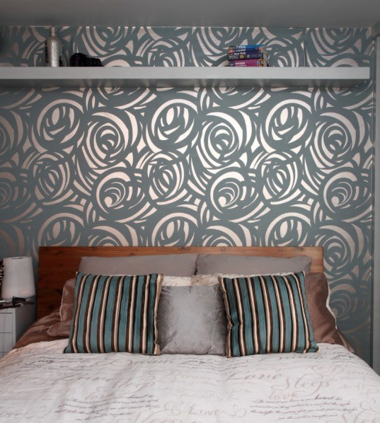 8 Dramatic Wallpaper for a Dramatic Accent Wall idea via Simphome