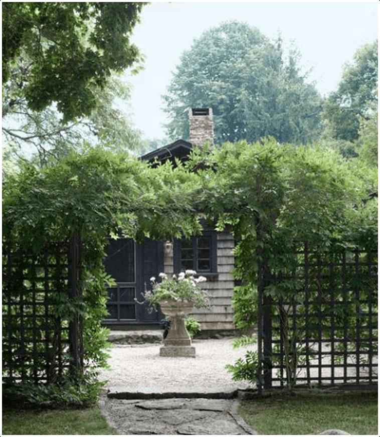 9.Trellis Fence by Simphome.com