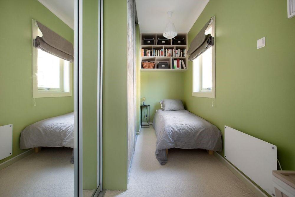 2. Hang a Mirror via Simphome
