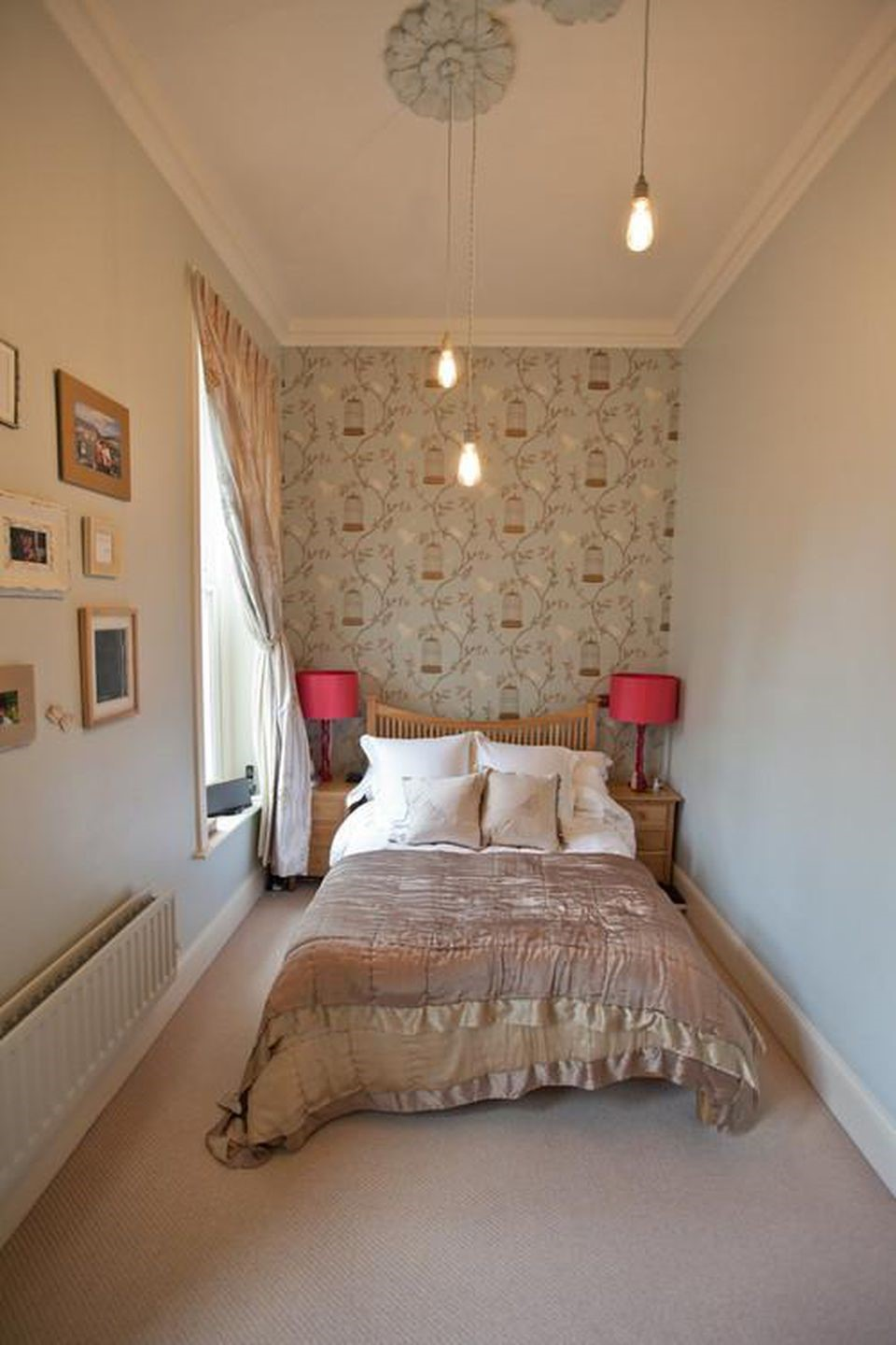4. Try an Attractive Accent Wall via Simphome