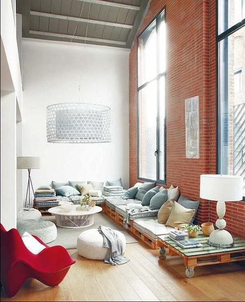 5. Low Level Wood Pallet Sofa via Simphome
