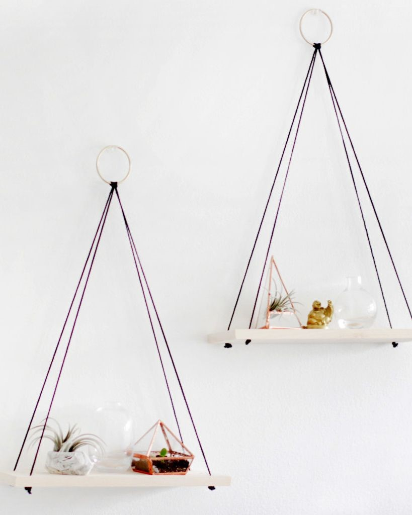 9. Simple Hanging Shelf via Simphome