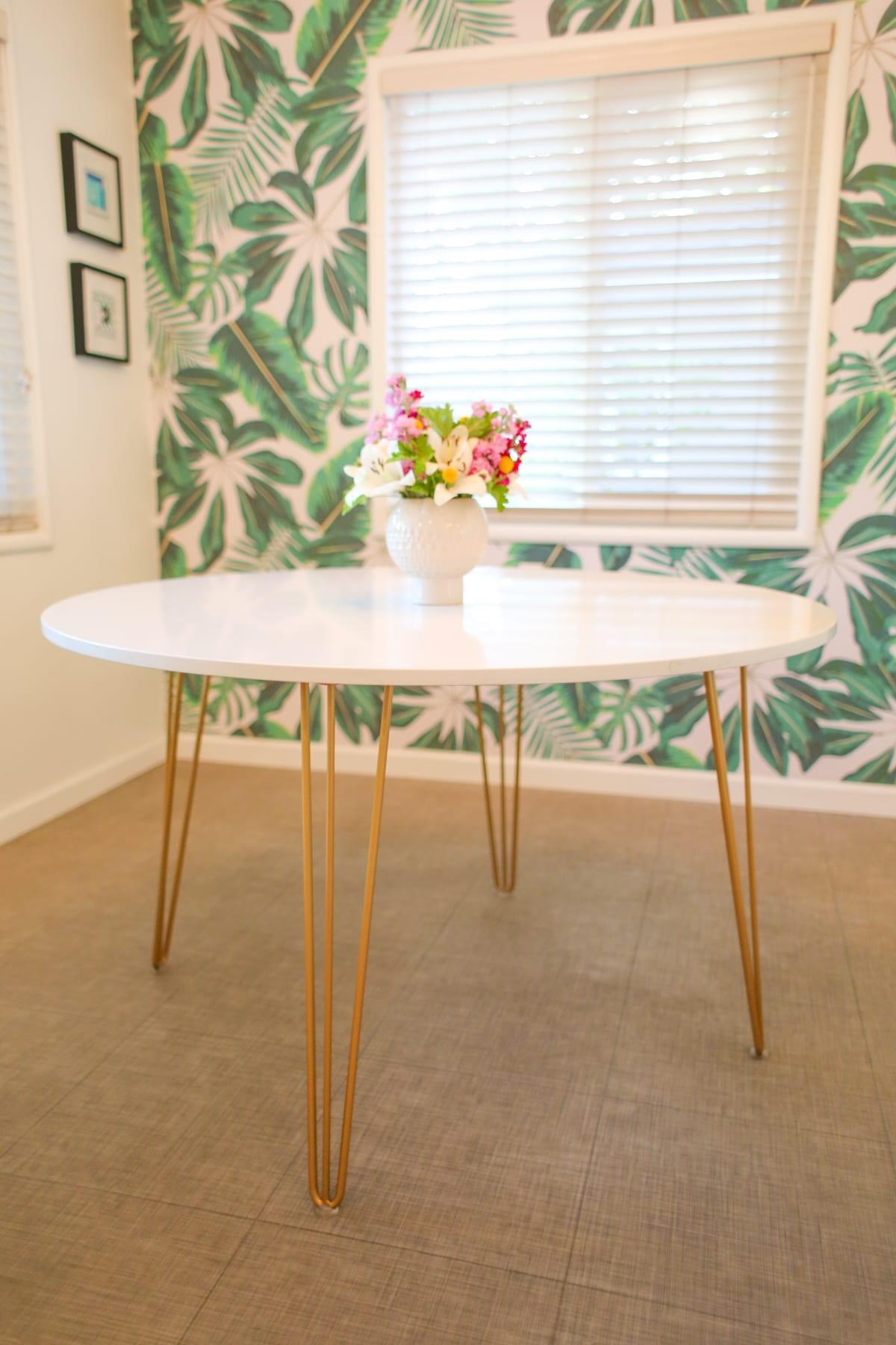 6. Round Mid Century Modern Table via Simphome