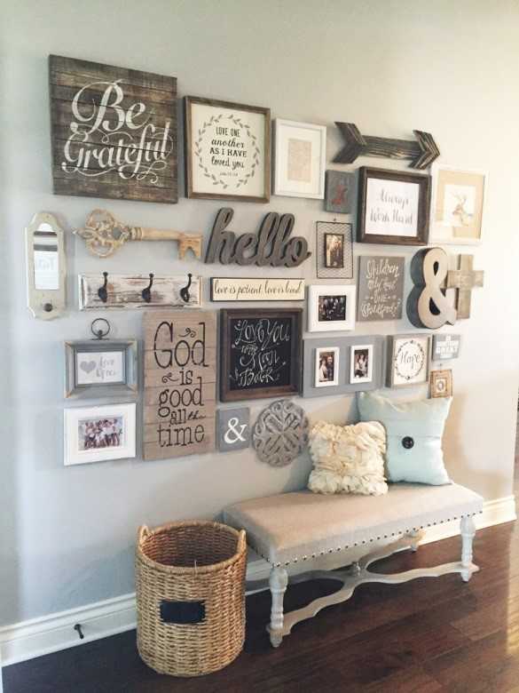 1. Awesome Farmhouse Gallery Wall via Simphome
