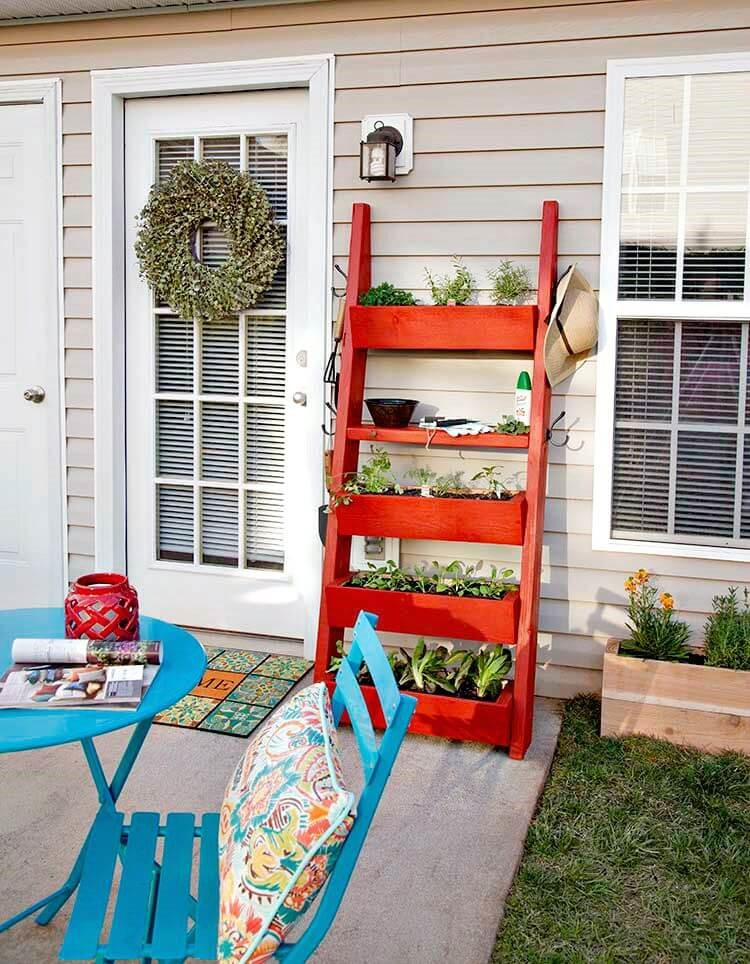 2. A DIY Ladder planter project idea via Simphome.com