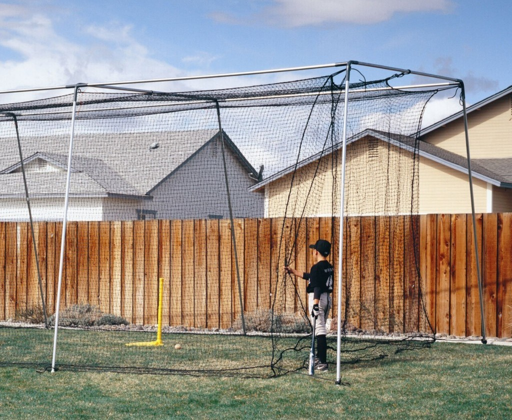 24.backyard batting cages and pitching machine rickyhil outdoor ideas via SIMPHOME.COM