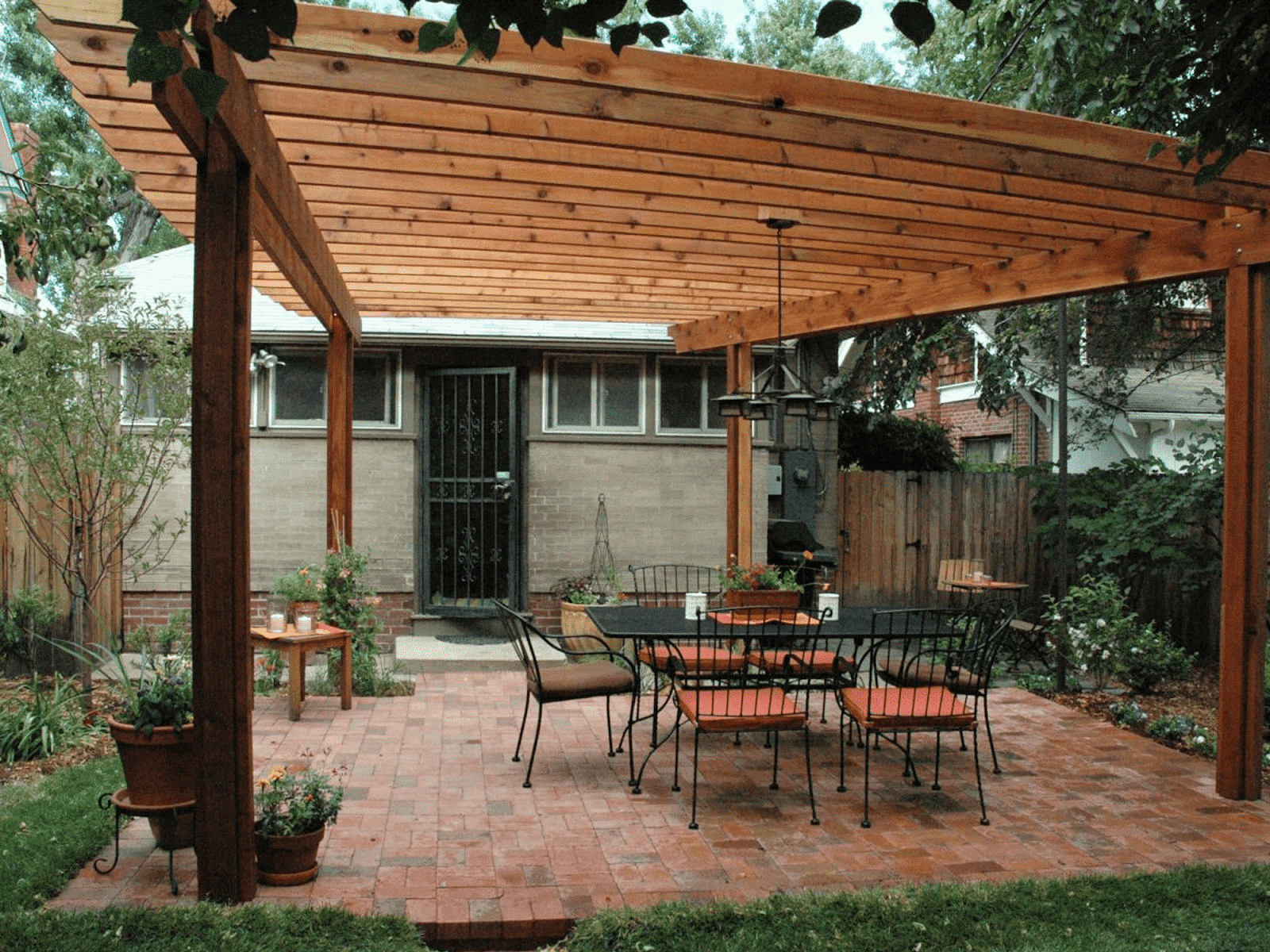 3 Wood material in your pergola via Simphome.com