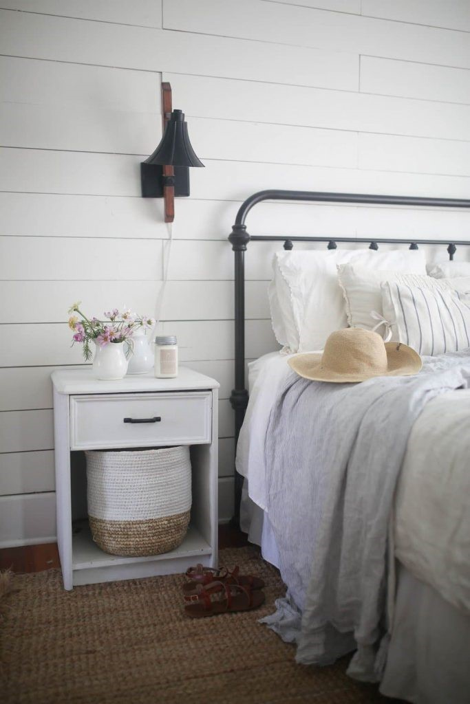 3. A Cozy Bedroom via Simphome