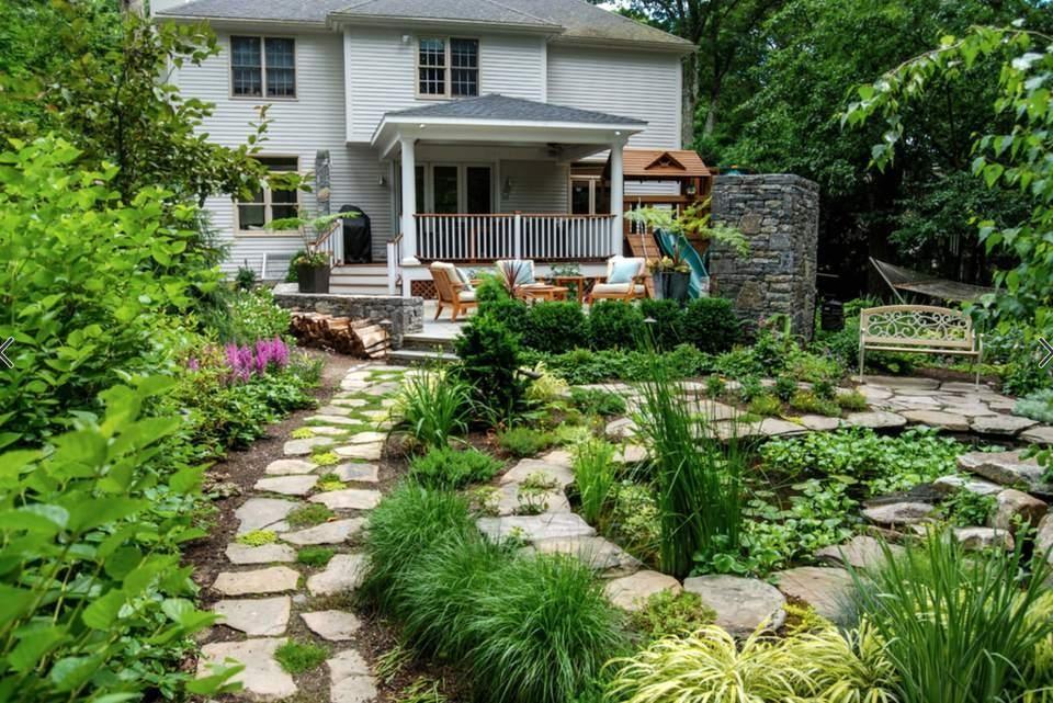 3.A wood theme in your garden via Simphome.com