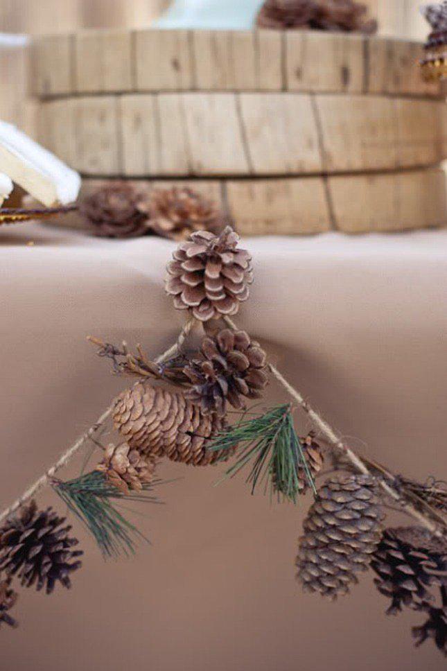 9.Garland Decoration from Pinecones via Simphome.com