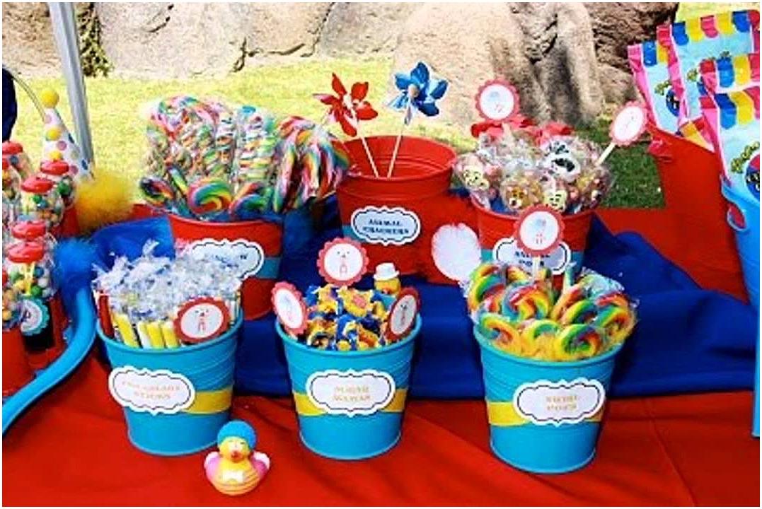 Make Birthday Party in The Backyard via SIMPHOME.COM