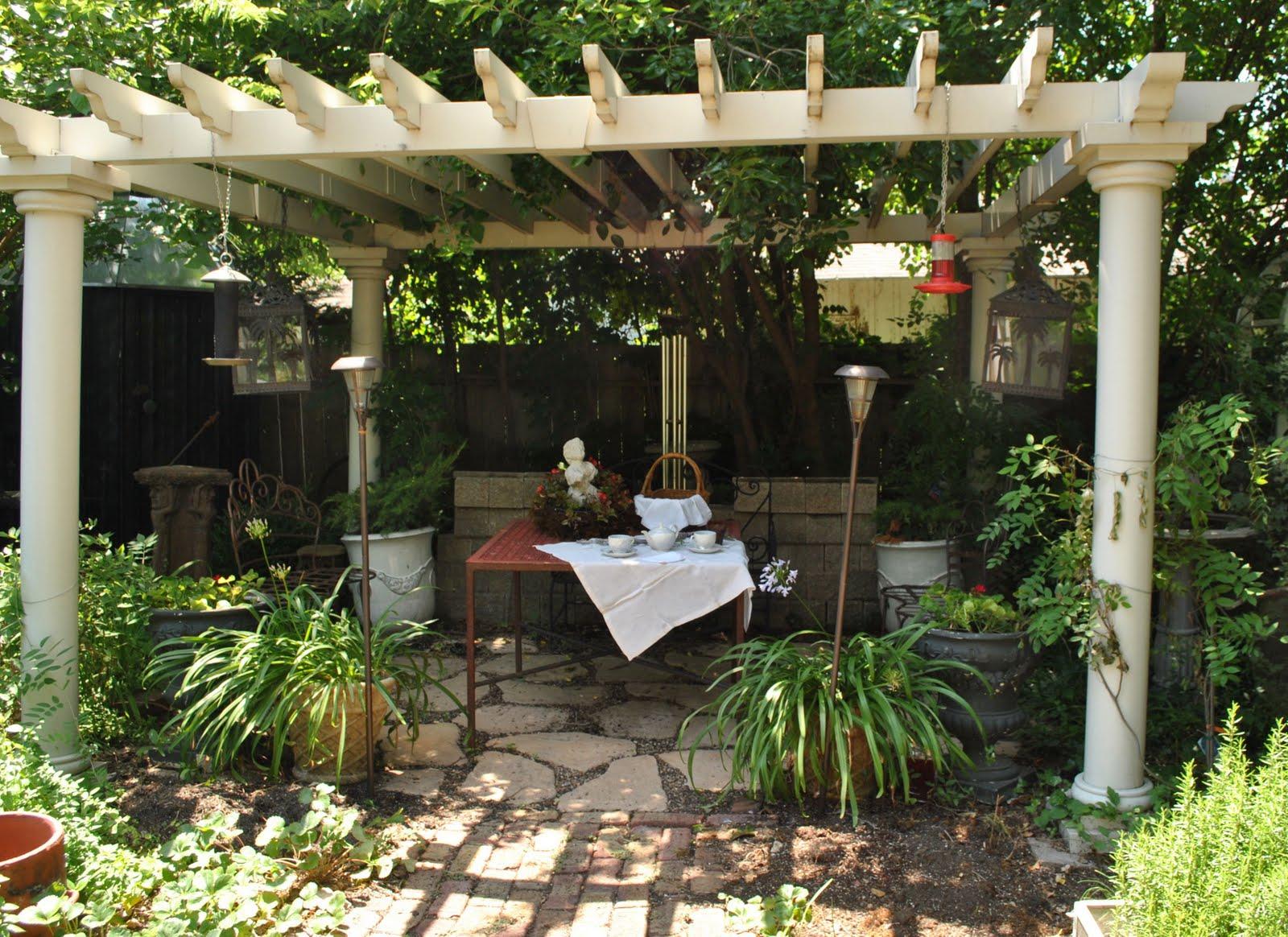Simphome.com 20 pergola design ideas turn your garden into a peaceful refuge