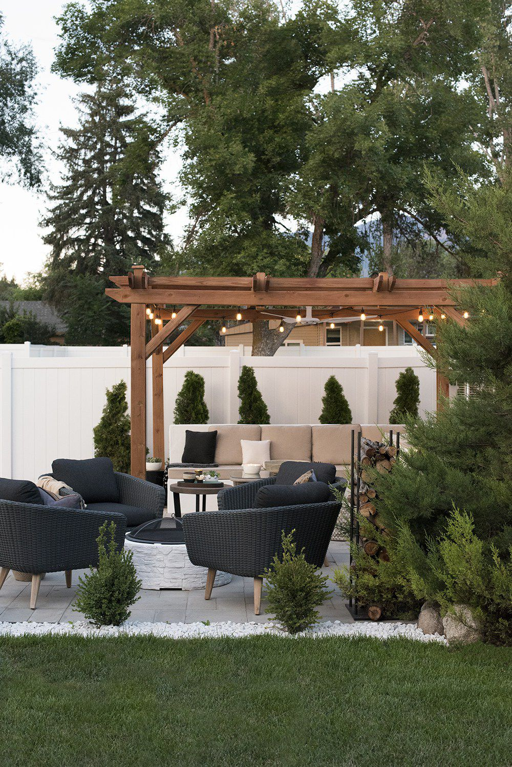 Simphome.com feature Some of best pergola ideas for the backyard how to use a pergola within backyard pergola ideas