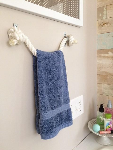 1. Rope Towel Holder via SIMPHOME.COM