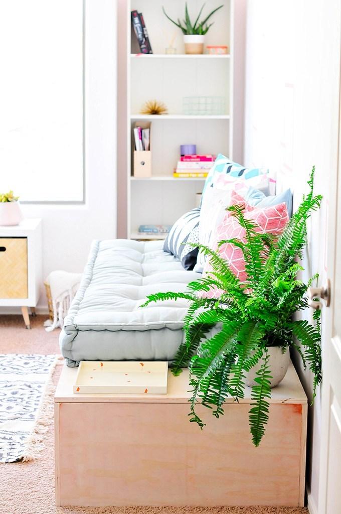 1.SIMPHOME.COM Beautiful daybed idea