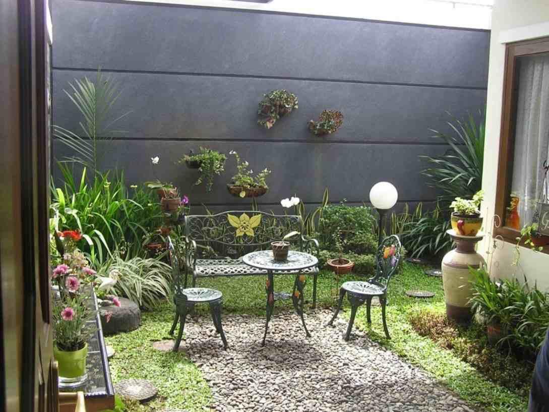 1.SIMPHOME.COM Minimalist living room