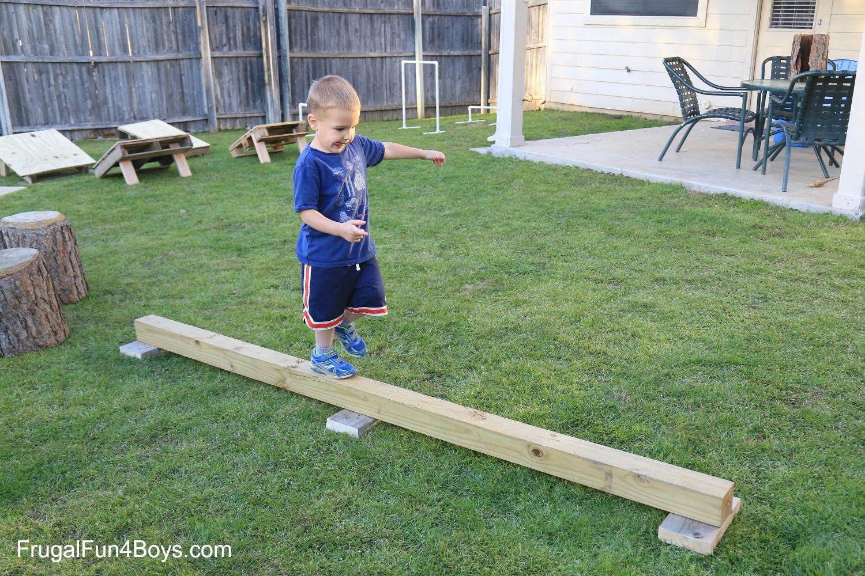 11.diy american ninja warrior backyard obstacle course frugal fun from SIMPHOME.COM