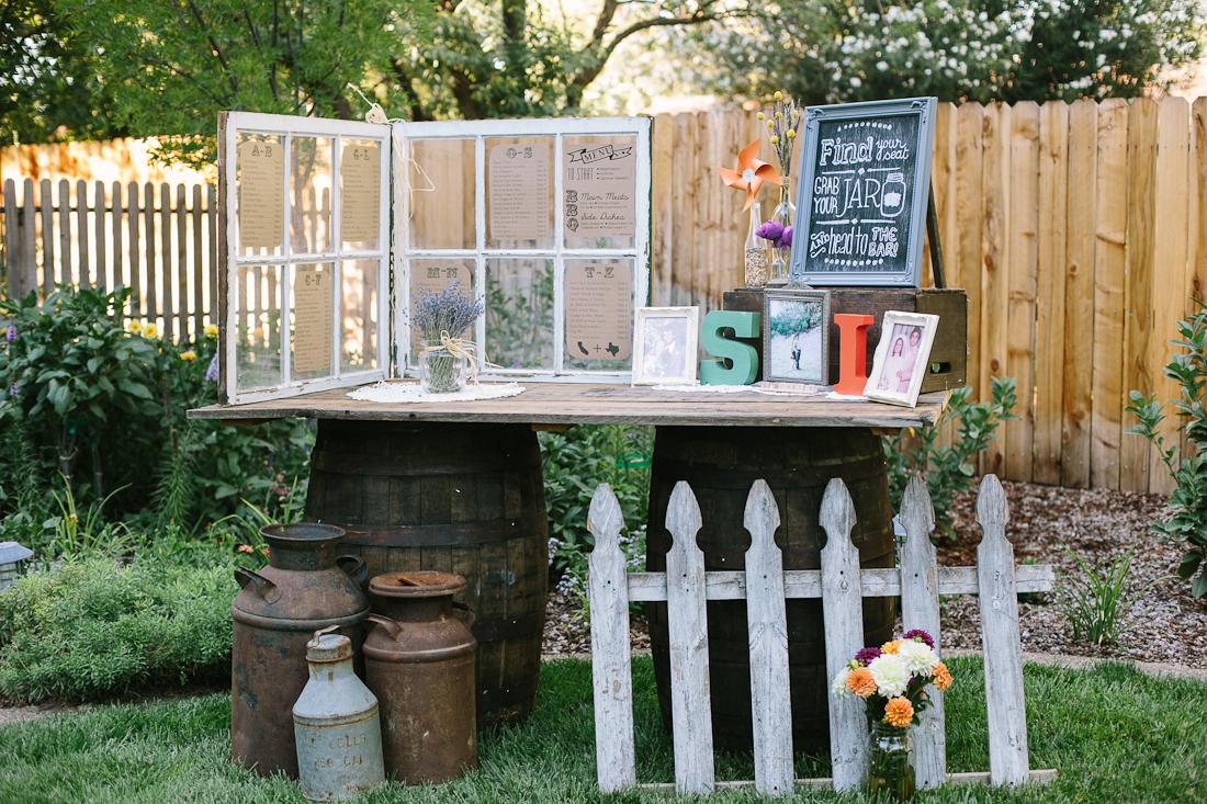 13.SIMPHOME.COM DIY backyard bbq wedding reception ideas