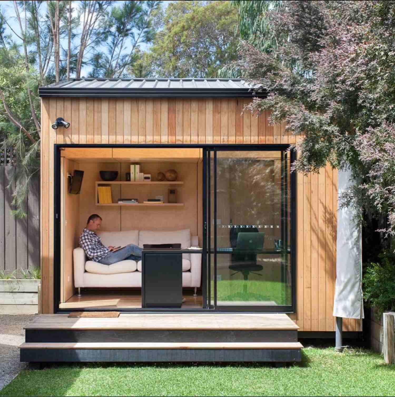 15.SIMPHOME.COM stylish shed designs inside small backyard shed ideas