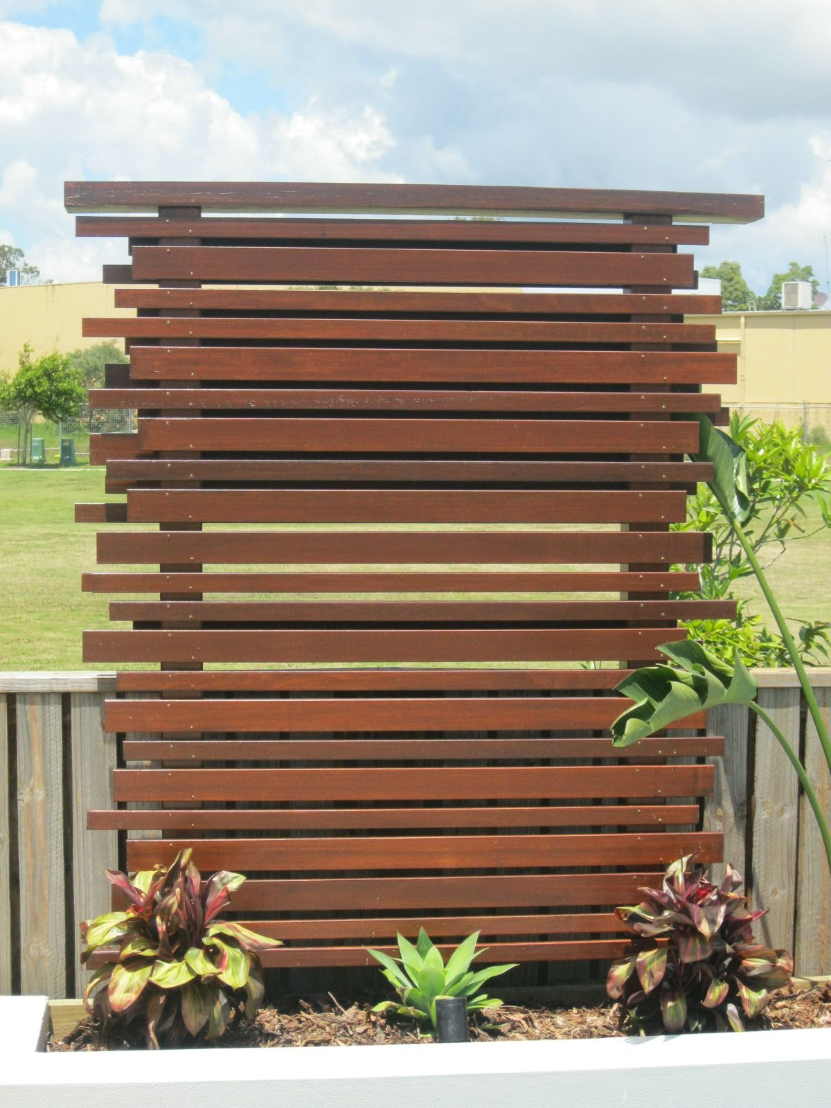 16.SIMPHOME.COM garden screening ideas for creating a garden privacy screen