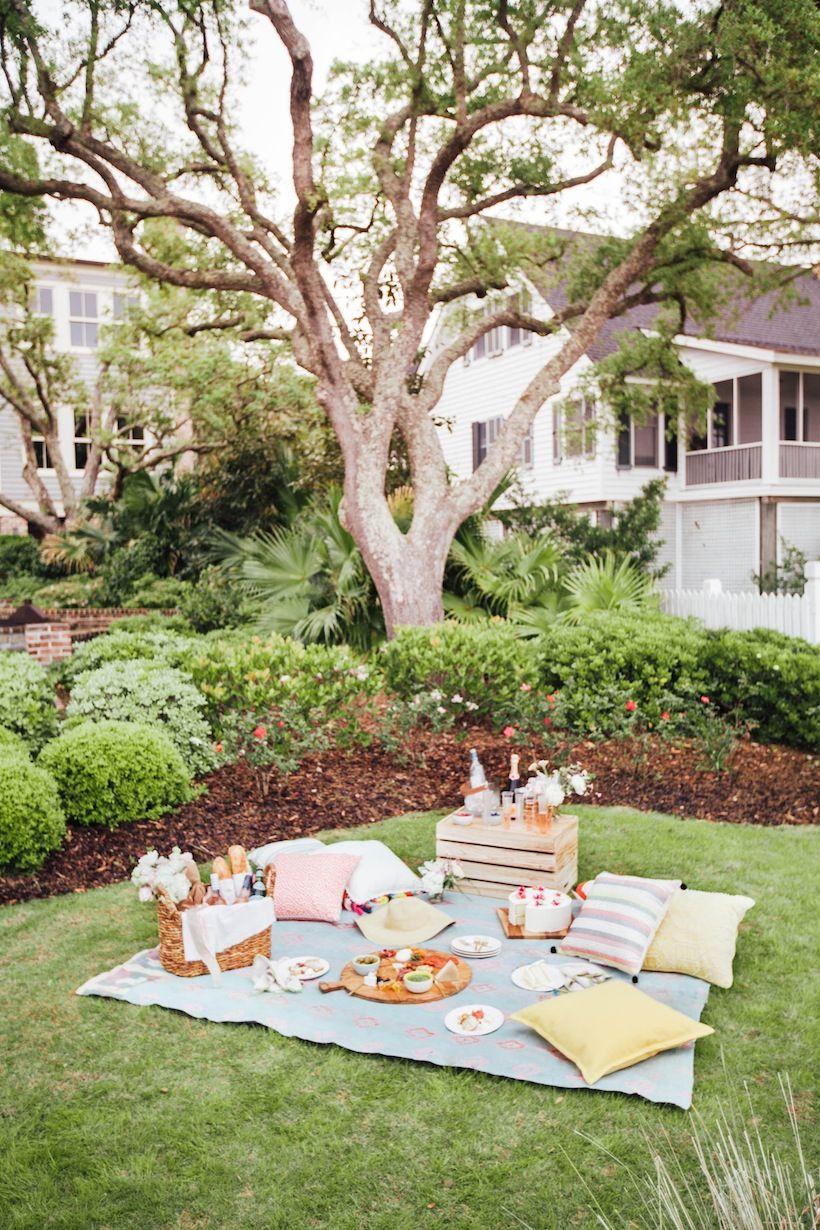 16.SIMPHOME.COM how to picnic like an event planner picnic backyard picnic