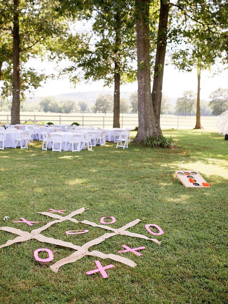 17.SIMPHOME.COM backyard barbecue ideas for a fun wedding reception