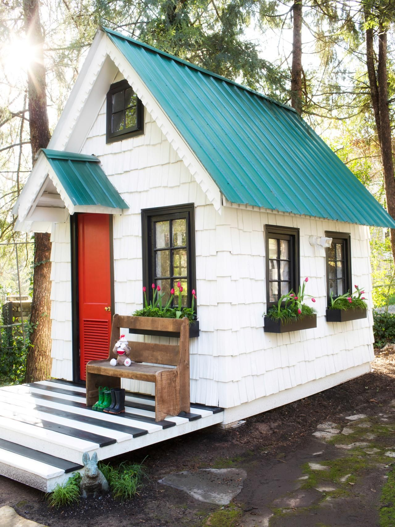20.SIMPHOME.COM give your backyard an upgrade with these killer shed ideas