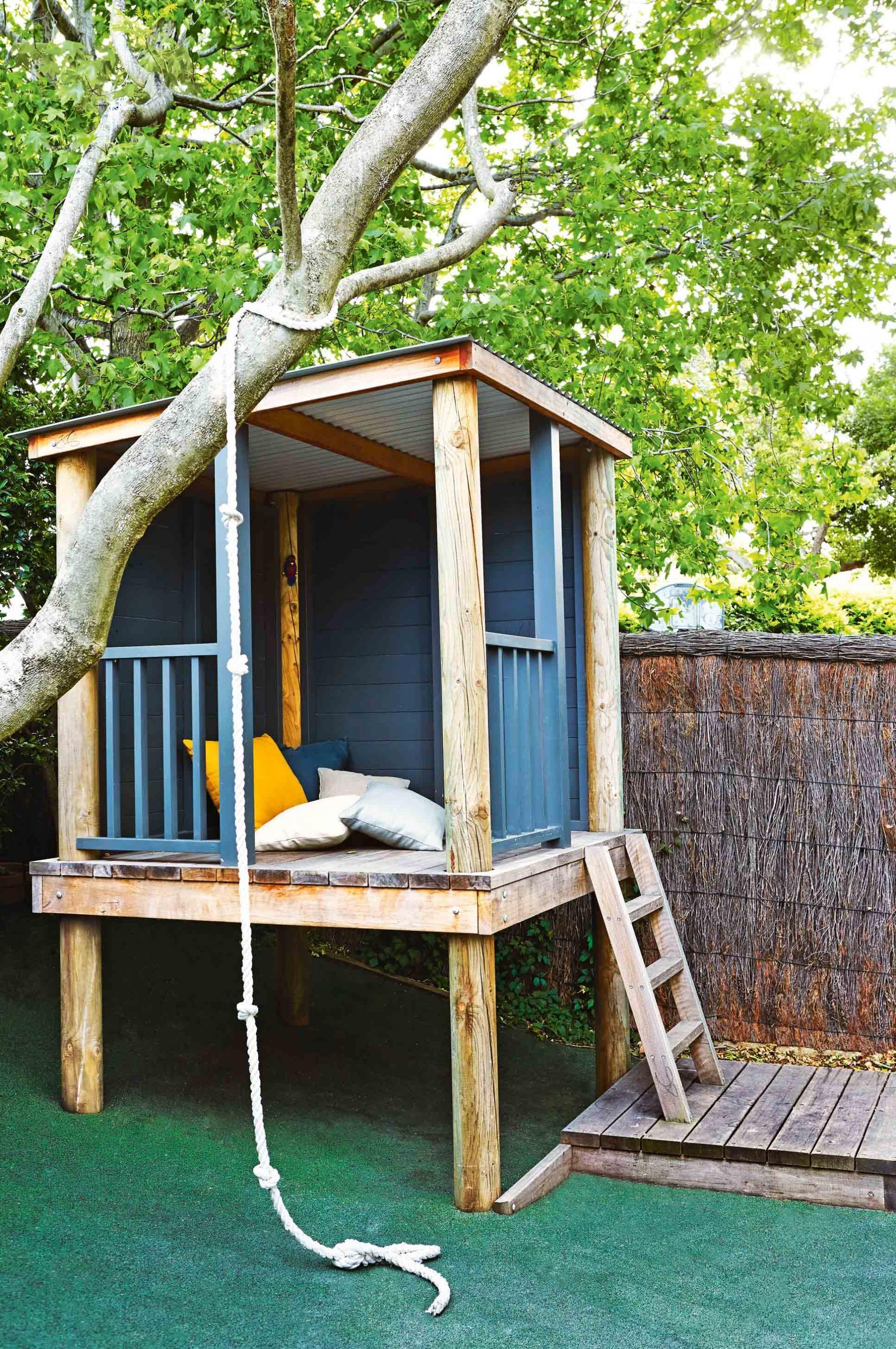 20.SIMPHOME.COM pin christy erickson on lightning backyard playhouse playhouse