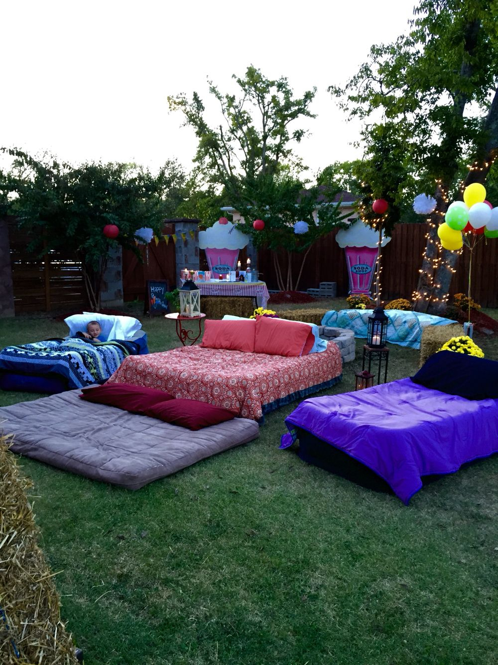 21.SIMPHOME.COM air mattresses for movie night outside pool party ideas