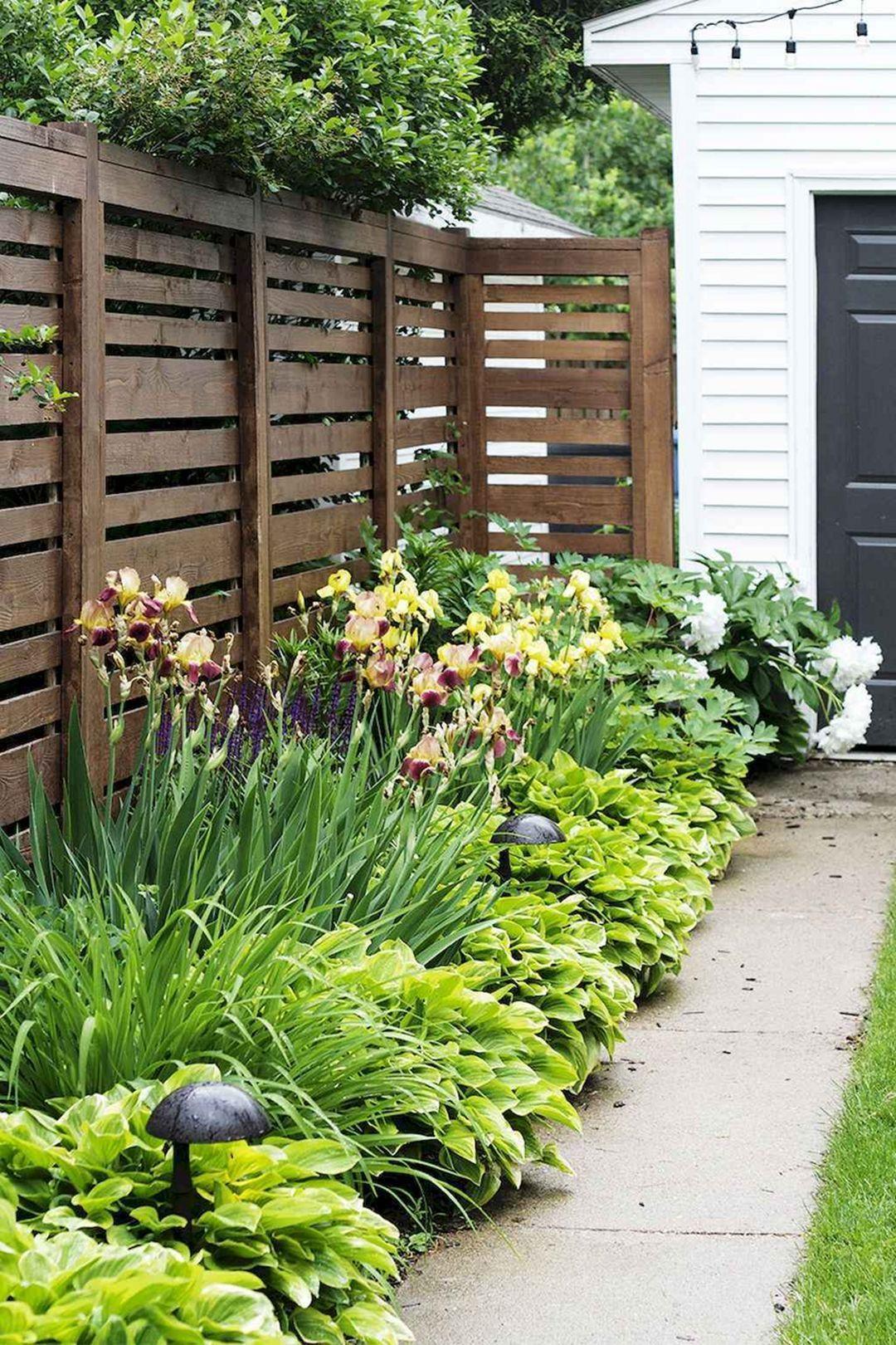 22.SIMPHOME.COM A backyard privacy fence landscaping ideas on a budget decor