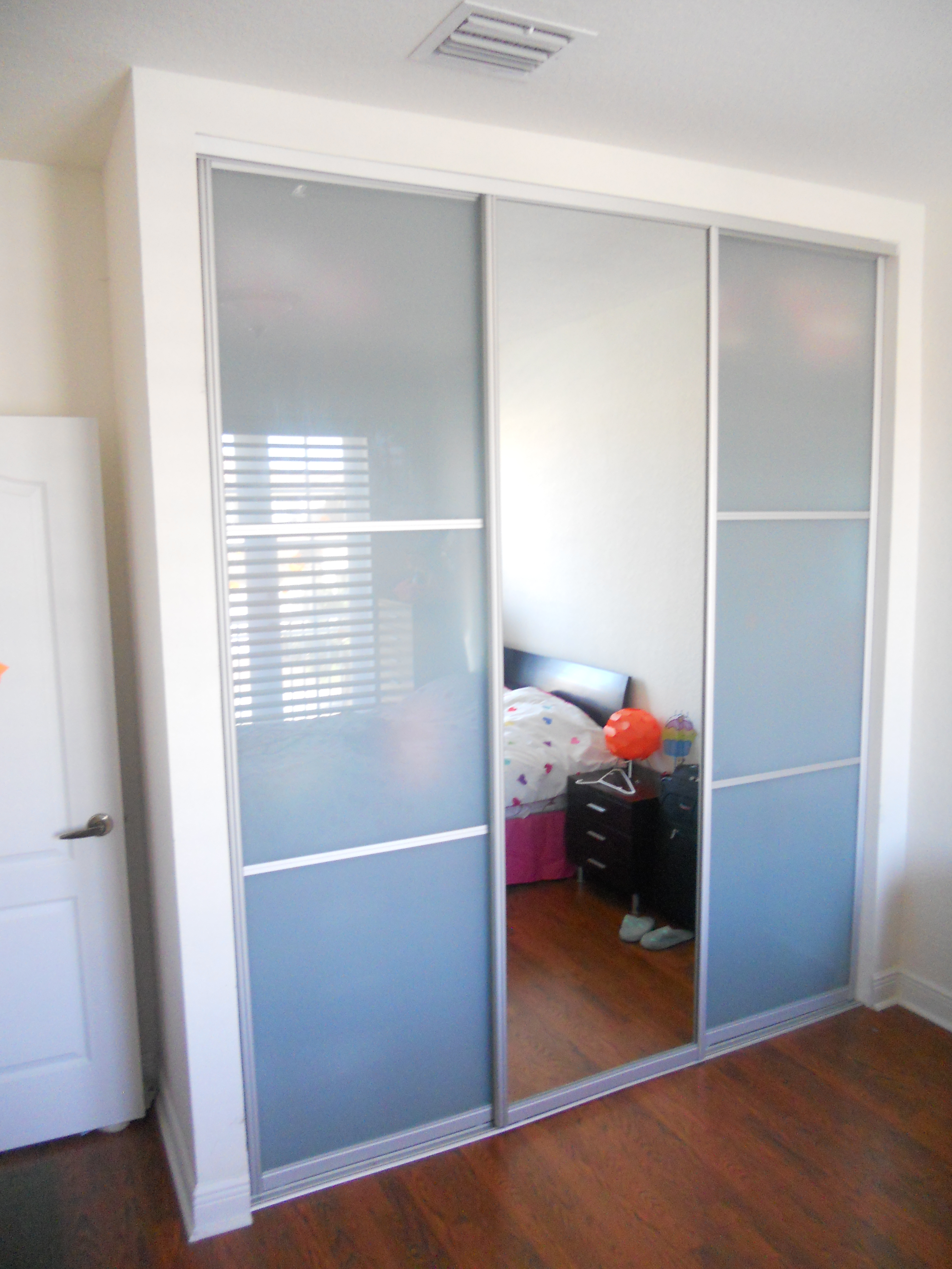 22.SIMPHOME.COM modern closet doors sliding kristian zwart home