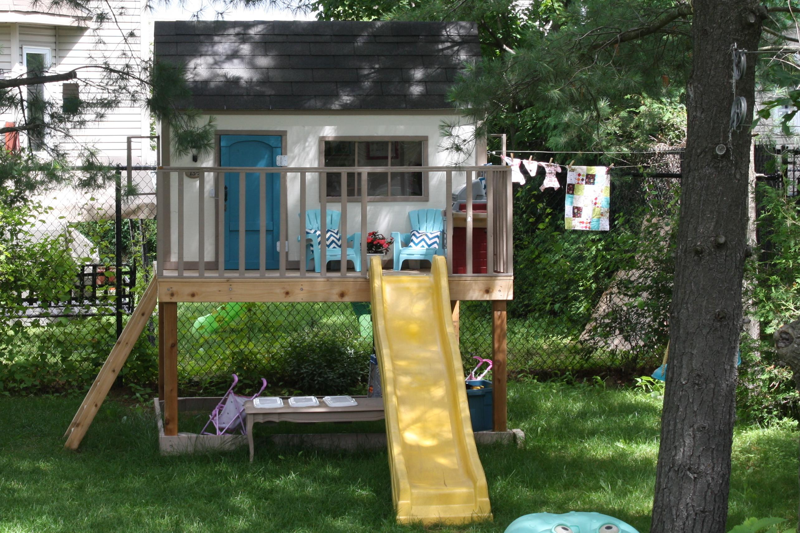 23.2. SIMPHOME.COM outdoor playhouses for toddlers 20 cool playhouses ideas