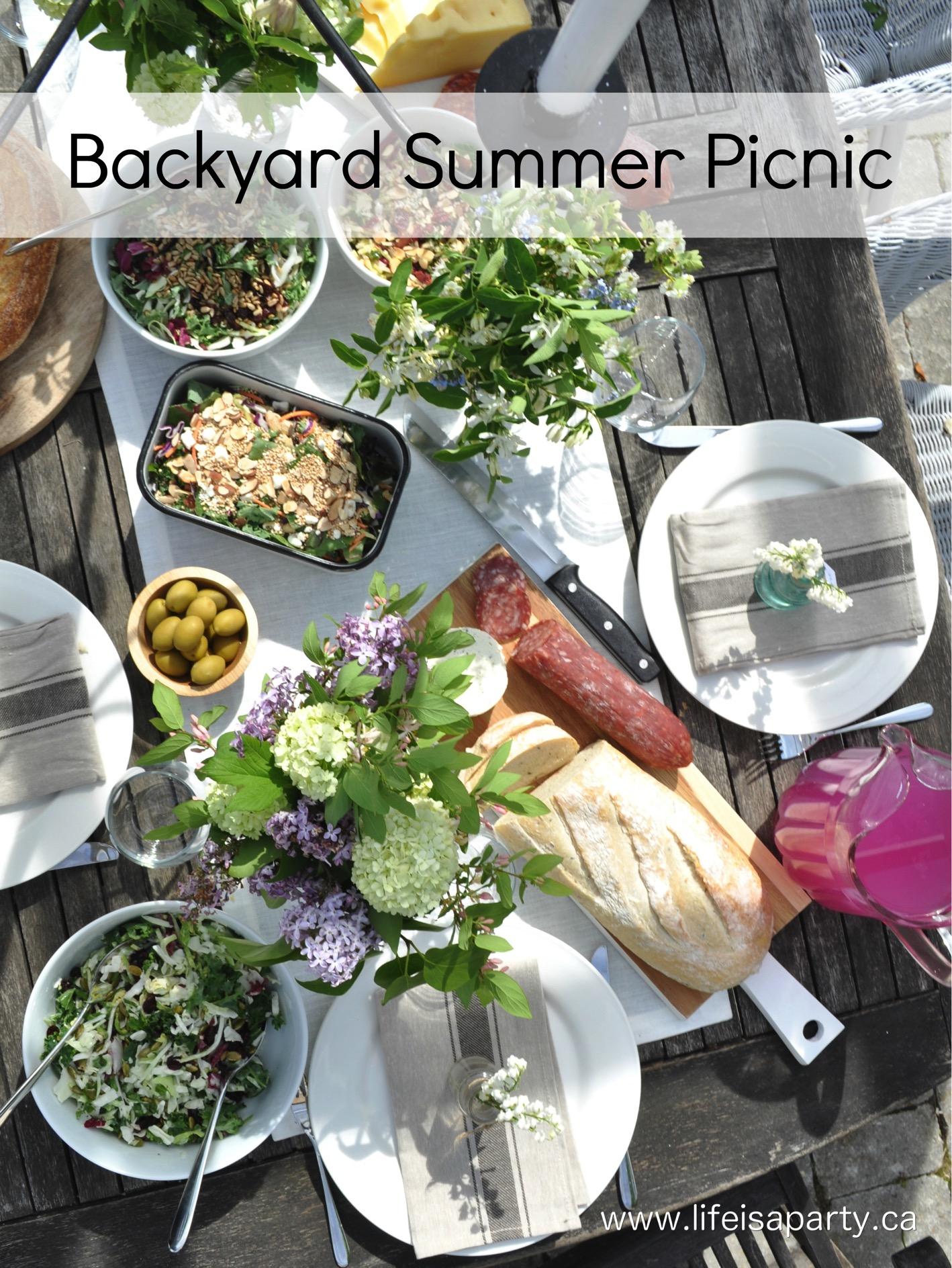 23.SIMPHOME.COM A summer backyard picnic