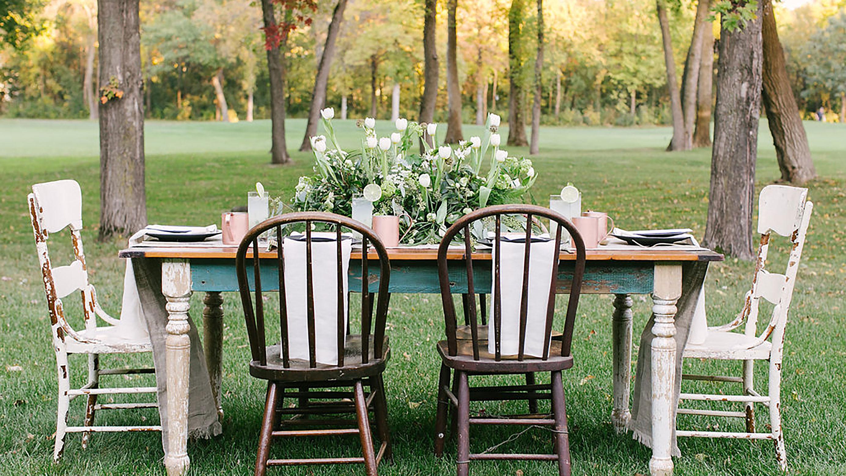 24 SIMPHOME.COM backyard engagement party ideas unique engagement table decorations
