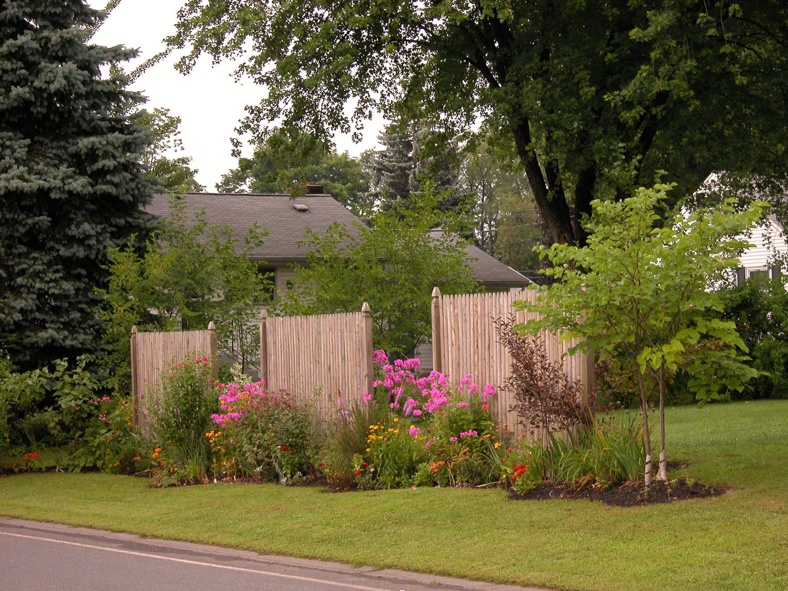 25.SIMPHOME.COM designing a small garden backyard privacy