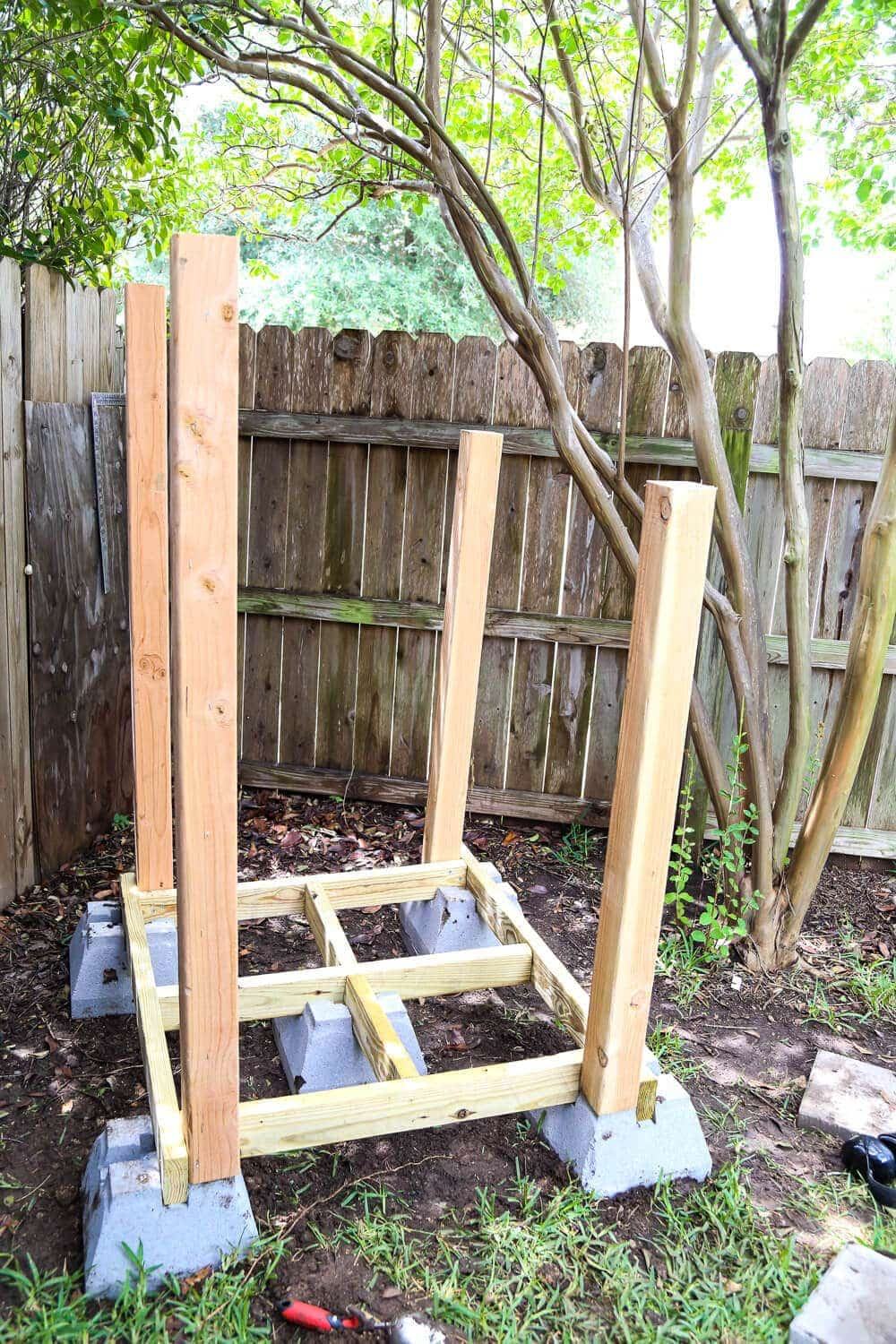 26.SIMPHOME.COM diy playhouse how to build a backyard playhouse for your toddler