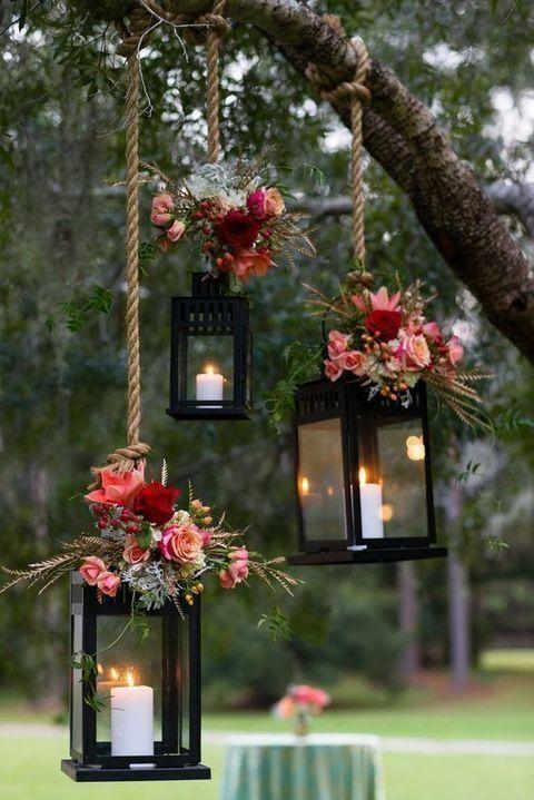 3. Make a Flower themed for Engagement Party Decoration via SIMPHOME.COM