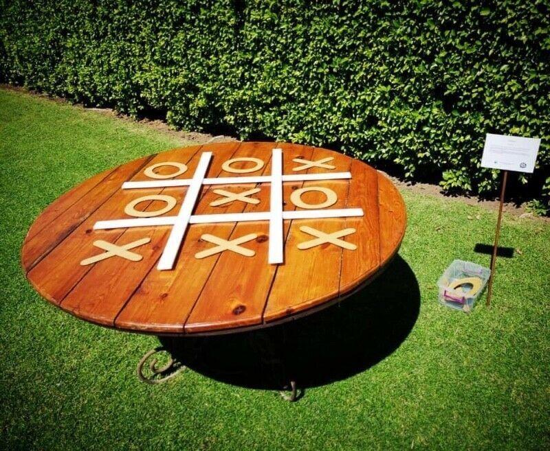 3.SIMPHOME.COM 10 Backyard BBQ Wedding Reception Set Up Some Lawn Games