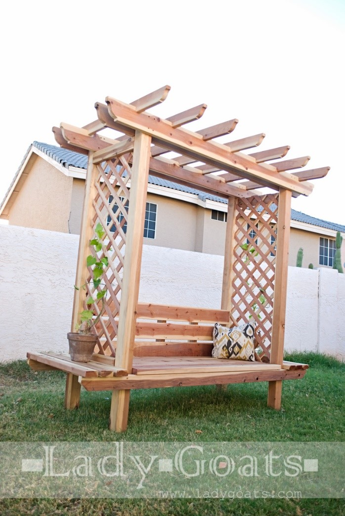 3.SIMPHOME.COM 10 DIY Outdoor Wood Projects Child Arbor Bench