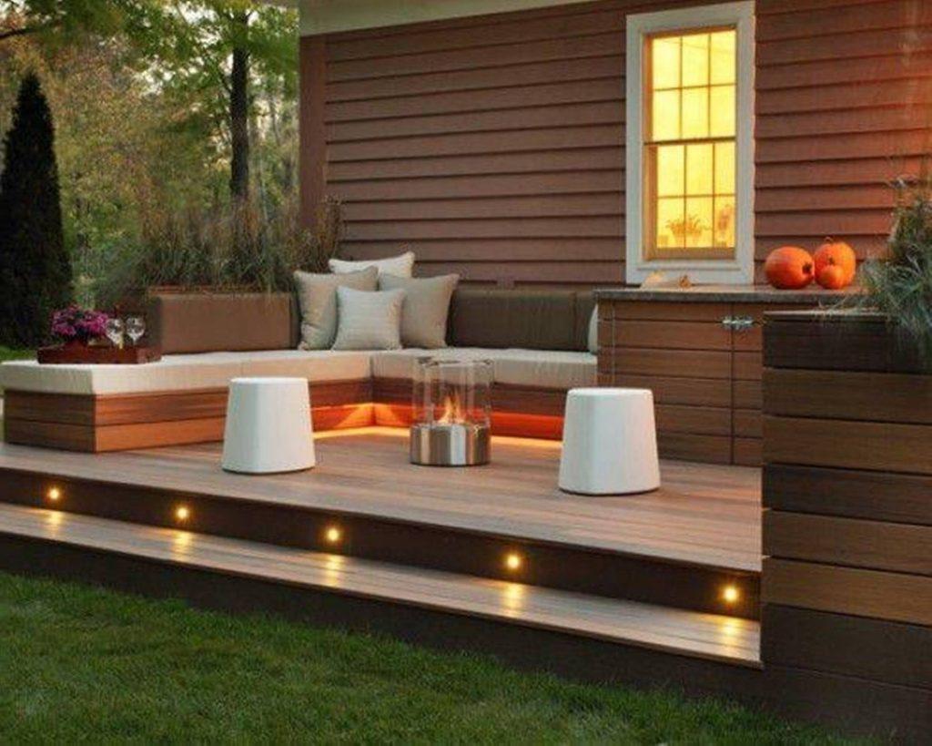 4. SIMPHOME.COM Fabulous Backyard Patio Settings