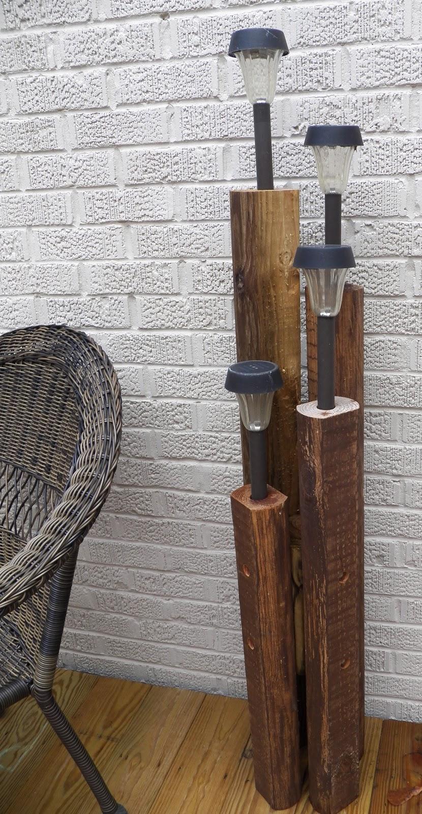 5.SIMPHOME.COM 10 DIY Outdoor Wood Projects DIY Solar Lights