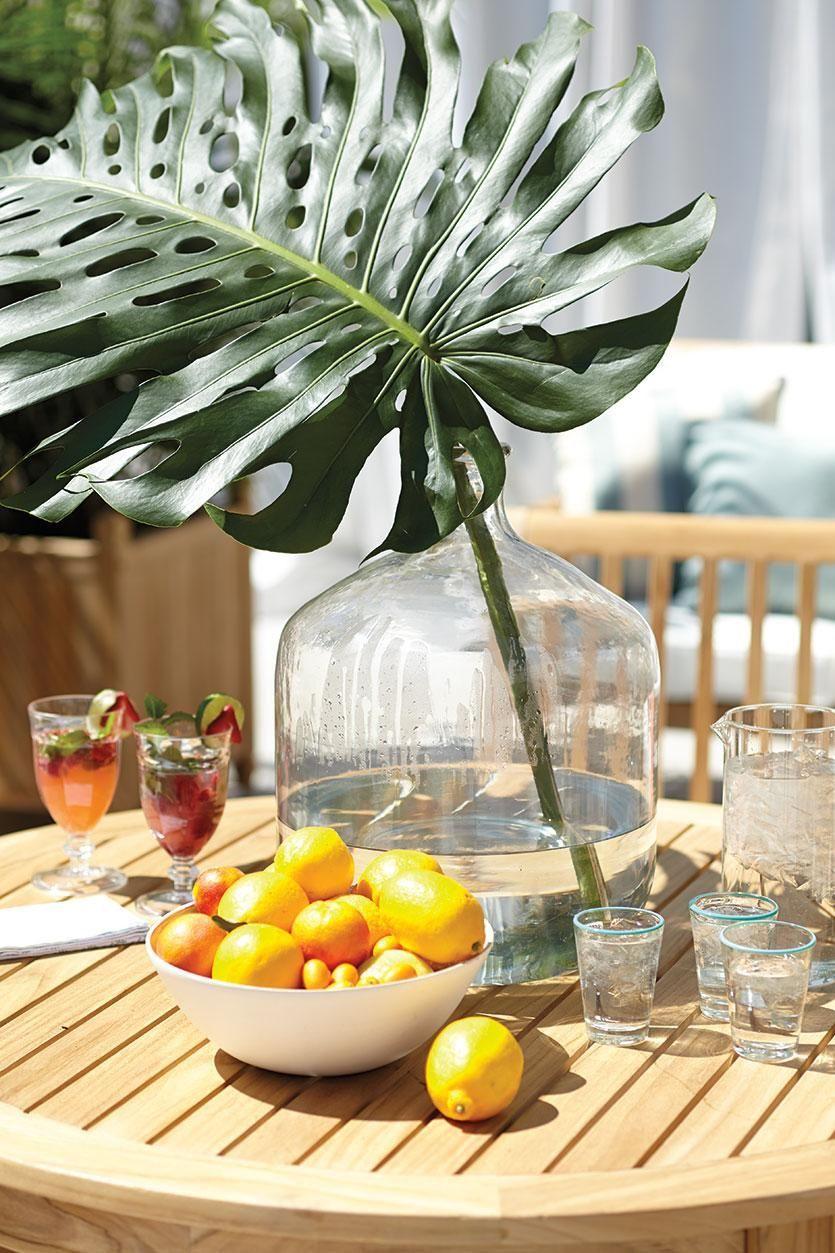 5.SIMPHOME.COM Potted succulents